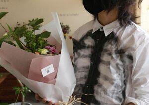 彼女のうちにあいさつに行くための花束